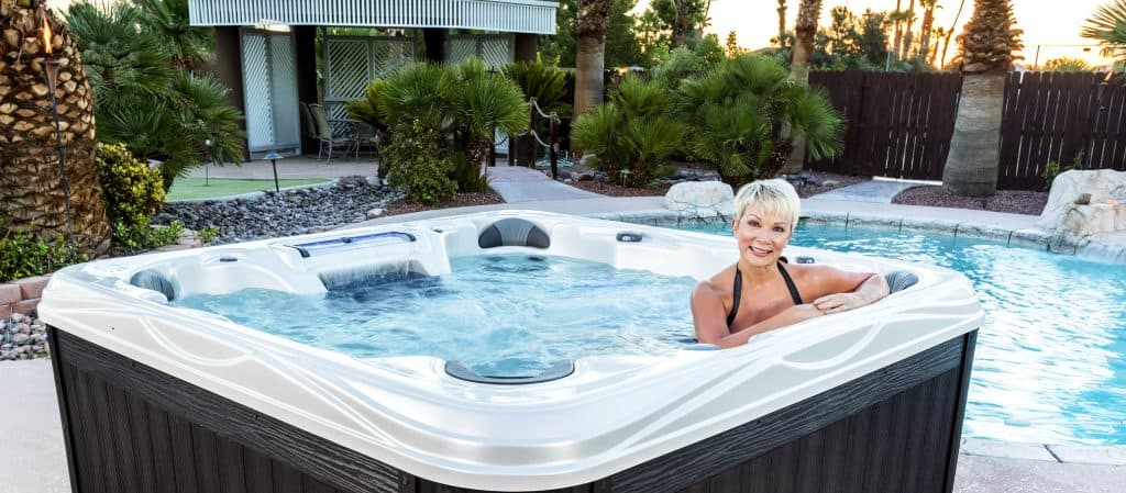 Our top-of-the-line Island Elite models provide you with the ultimate individual control and best hydrotherapy experience possible. Control your personal massage pressure with individual seat pumps in this 7-person hot tub. The Grand Cayman ELITE is powered by Powered by DIRECTFLOW Personal Control® System. Entertaining your friends and family is easy with the Grand Cayman ELITE.
